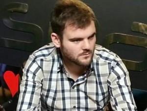 """Abel:""""estudiar y jugar poker para seguir mejorando""""."""